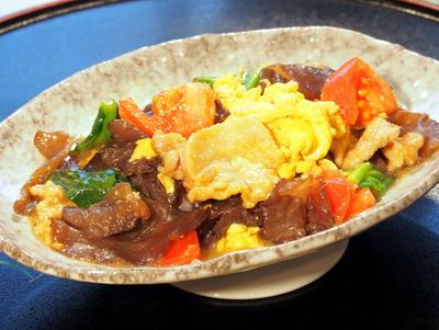 トマトと生キクラゲと豚肉の炒め.jpg