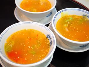 トマトと浅利とレタスのピリ辛スープのコピー.jpg